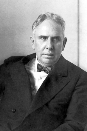 author of An American Tragedy, June 1926