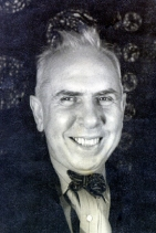 Dreiser, November 1933, photo by Carl Van Vechten