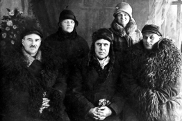 with companions during Soviet trip, c. 1927-28